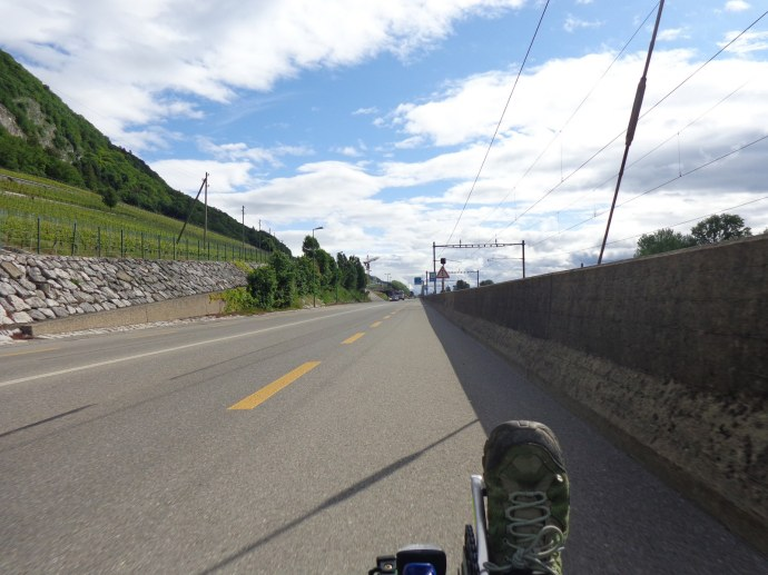 piste cyclable sur grande route