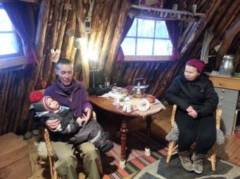 Une petite visite d'Inger et du petit fils de Nina