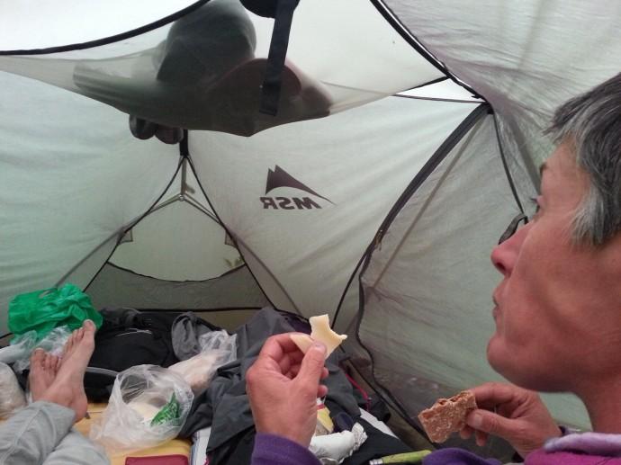 Dîner sous la tente